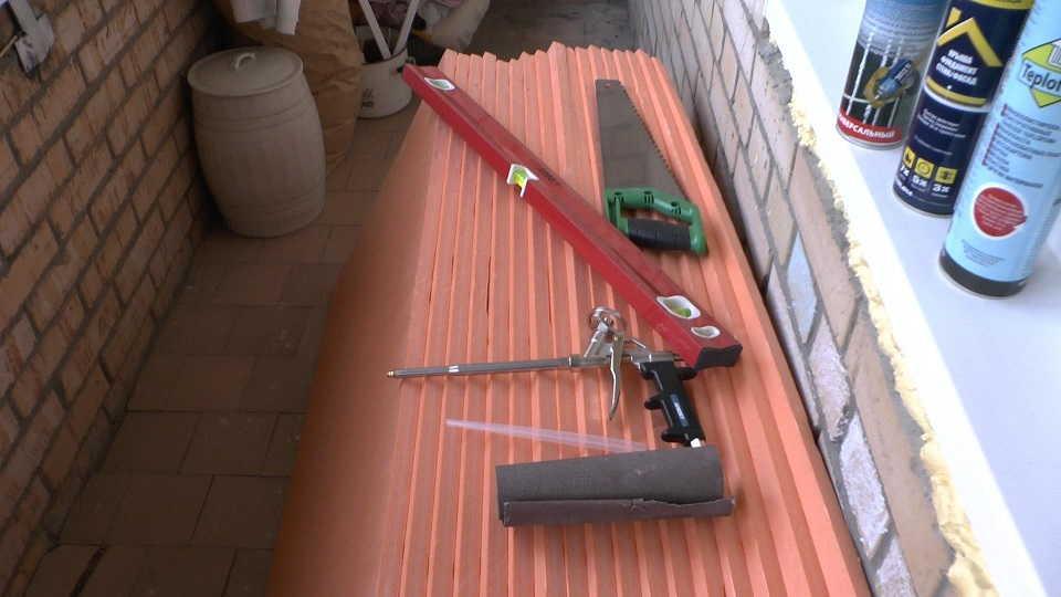 Пистолет для монтажной пены и клея
